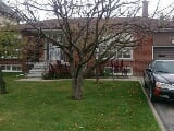 Photo Solid Brick Well Maintained House With...